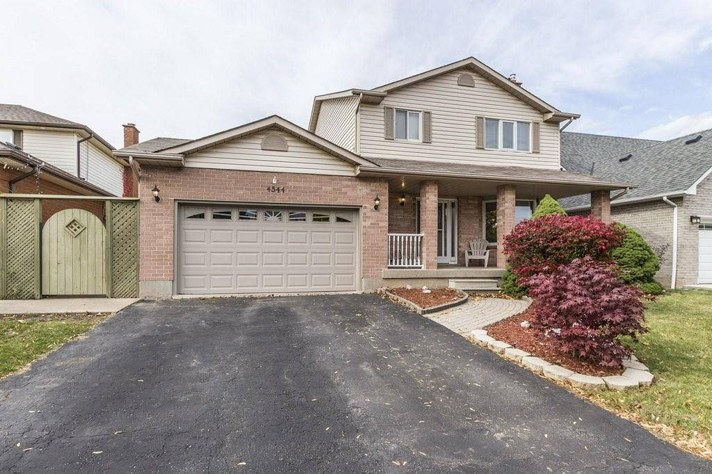 4544 St Volodymyr Court, Lincoln | Image 2