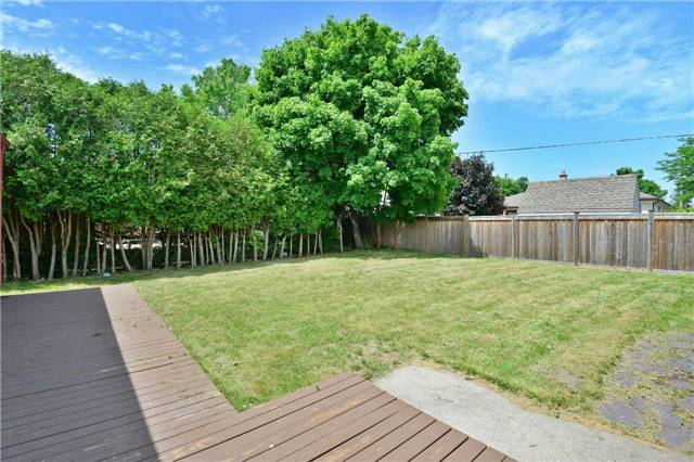 For Sale: 455 Samford Place, Oakville, ON | 3 Bed, 2 Bath House for $1,049,000. See 20 photos!