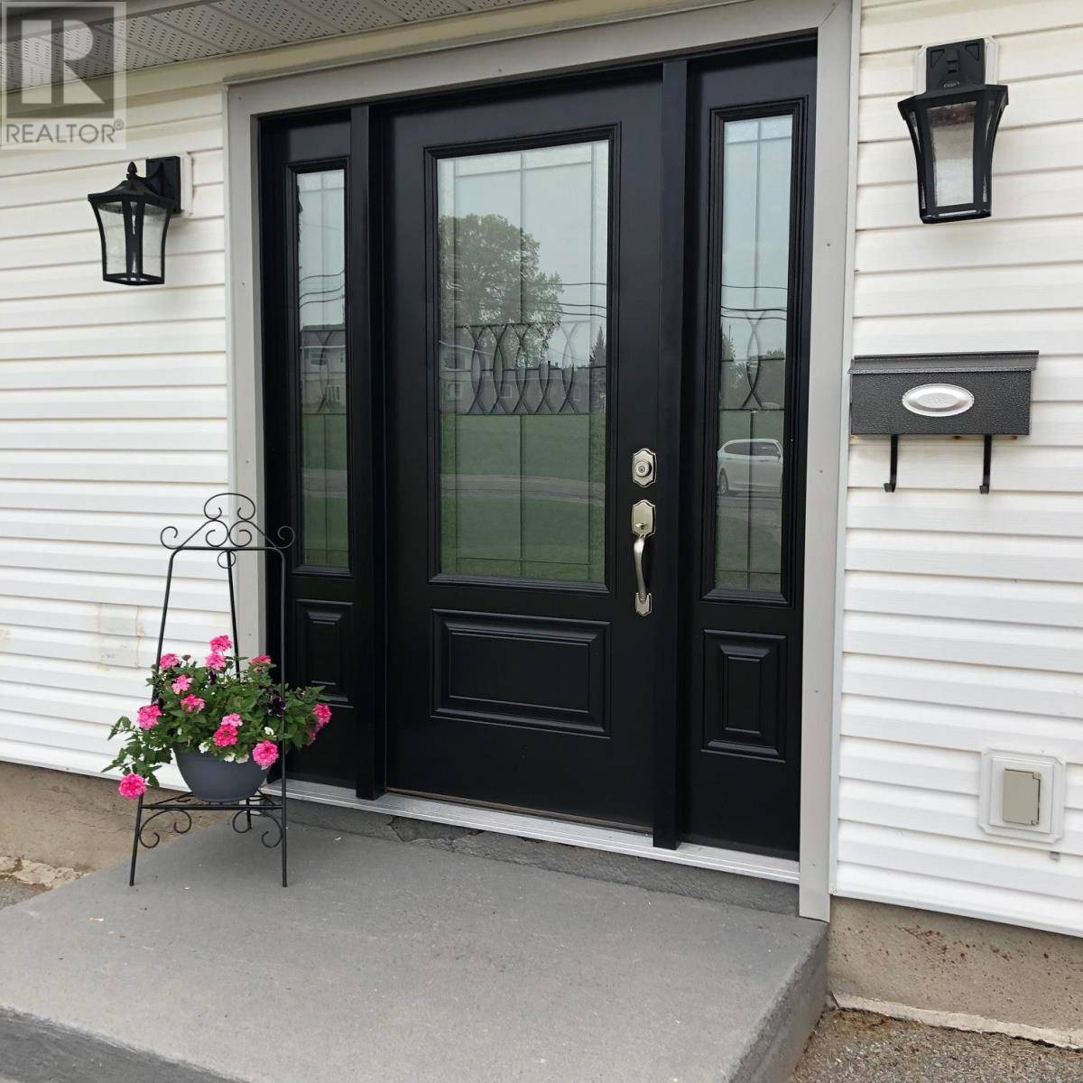 House for sale at 4551 Highway 38 Hy Harrowsmith Ontario - MLS: K19003837