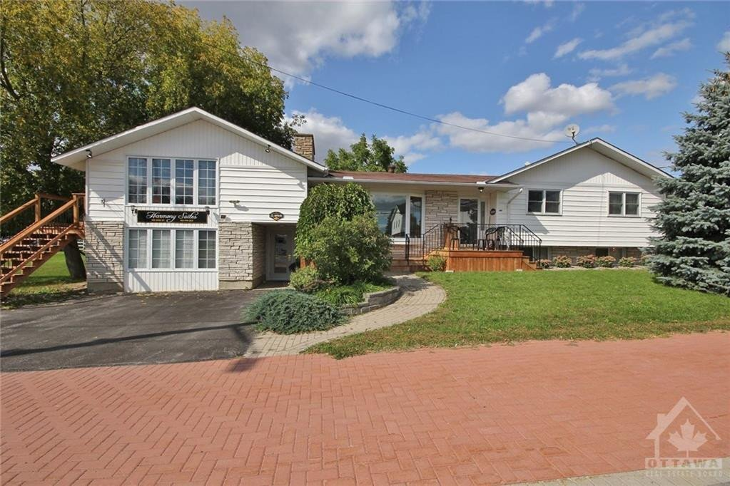 Townhouse for sale at 456 Main St Winchester Ontario - MLS: 1212072