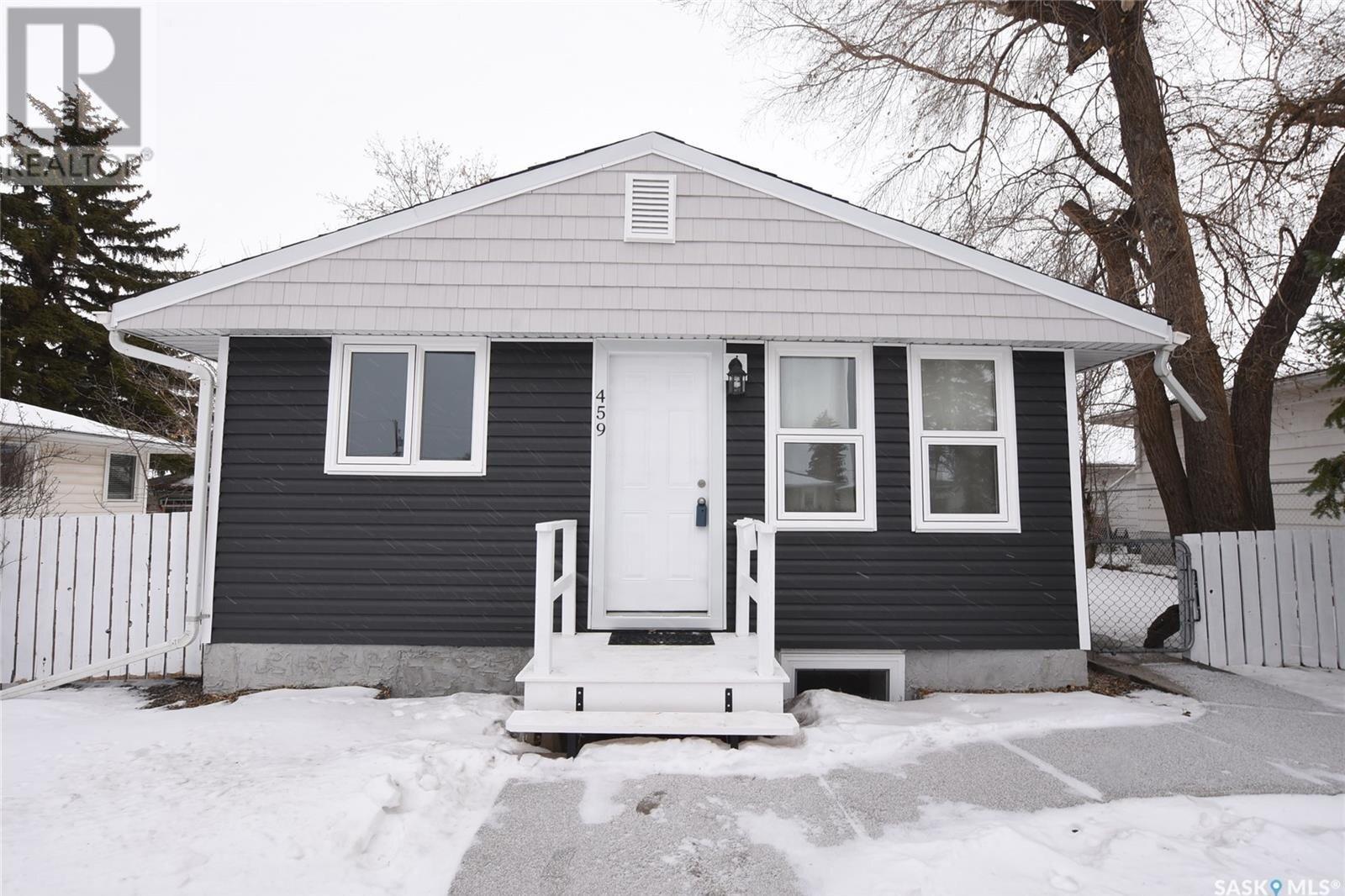 House for sale at 459 St John St Regina Saskatchewan - MLS: SK830322