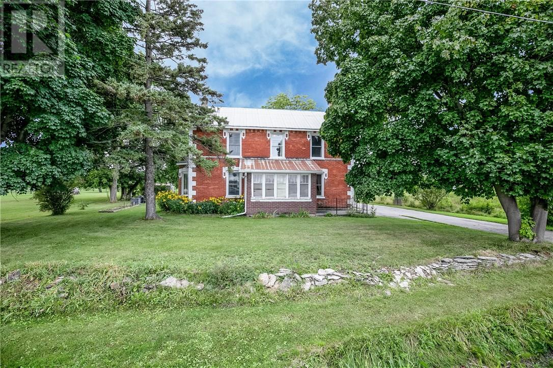 Buliding: 124 124 County Road, Clearview, ON