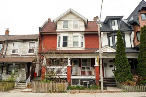 Townhouse for rent at 46 Augusta Ave Toronto Ontario - MLS: C4992026
