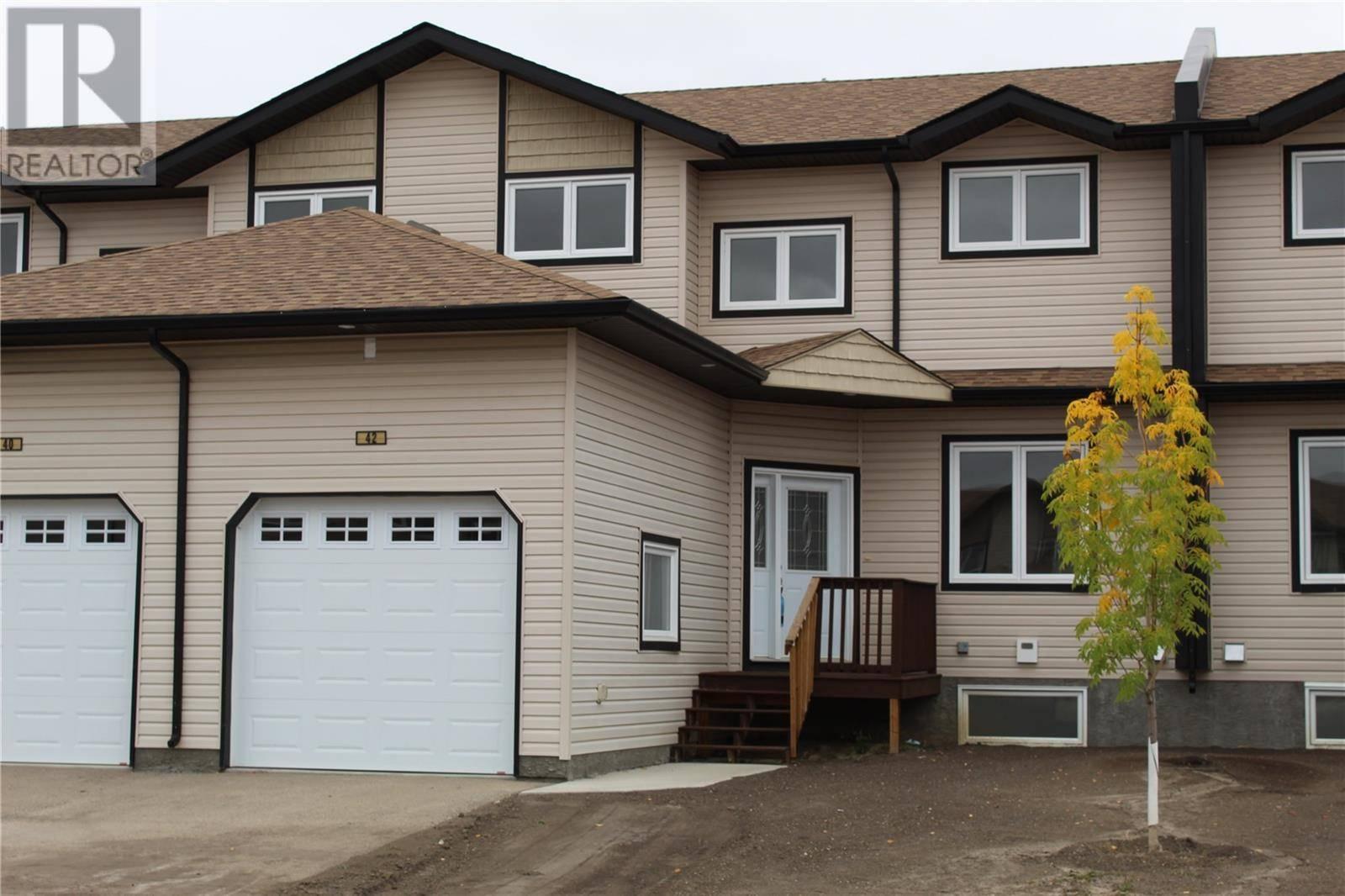 Townhouse for sale at 118 Hampton Circ Unit 46 Saskatoon Saskatchewan - MLS: SK758711