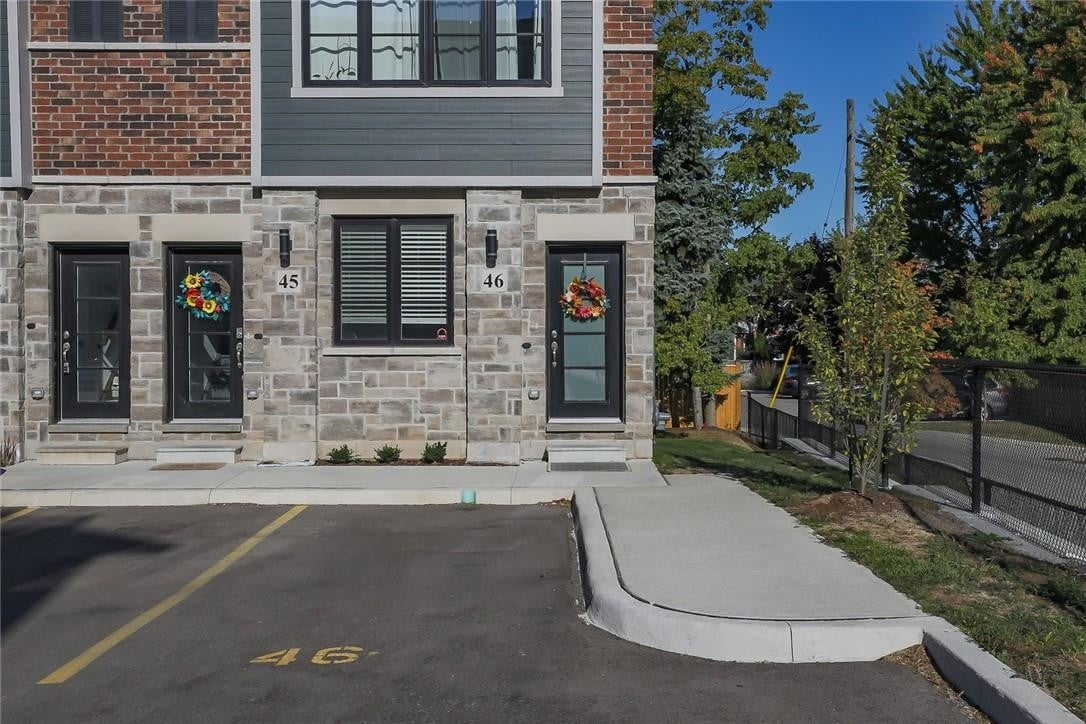 Townhouse for sale at 219 Dundas St E Unit 46 Waterdown Ontario - MLS: H4088043