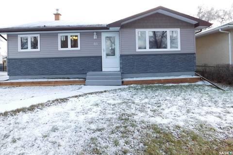 House for sale at 46 Bedford Cres Regina Saskatchewan - MLS: SK791140
