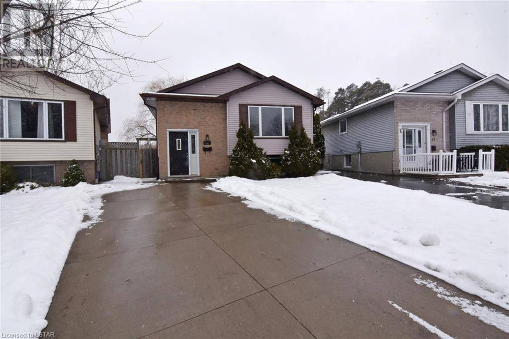 House for sale at 46 Caprice Cres London Ontario - MLS: 244870