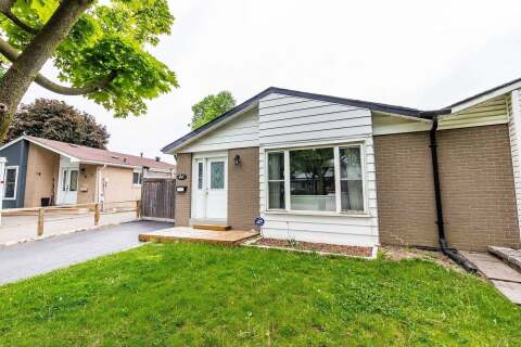 Townhouse for rent at 46 Glenmore Cres Brampton Ontario - MLS: W4826984