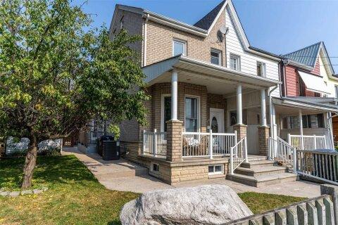Townhouse for sale at 46 Gordon St Toronto Ontario - MLS: C4968250