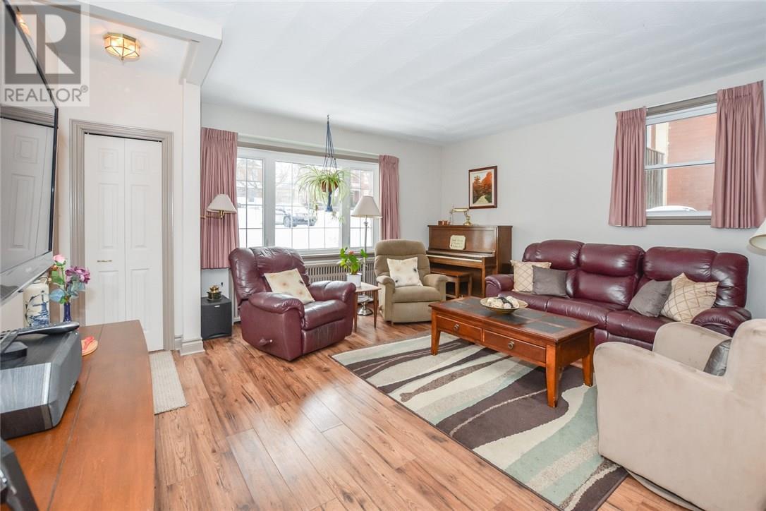 46 Waterloo Avenue, Guelph — For Sale @ $679,000 | Zolo ca