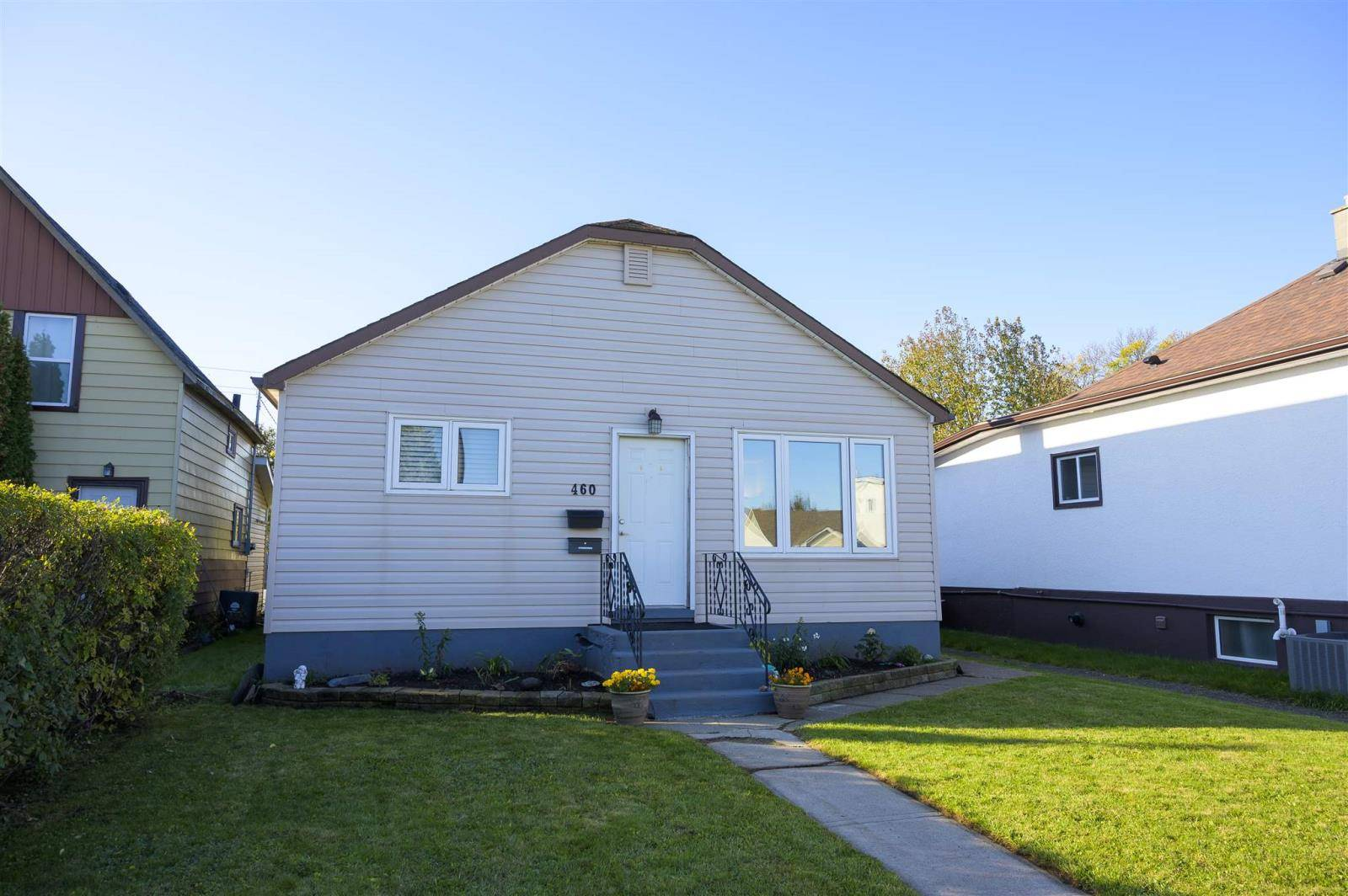 House for sale at 460 Mary St East Thunder Bay Ontario - MLS: TB193355