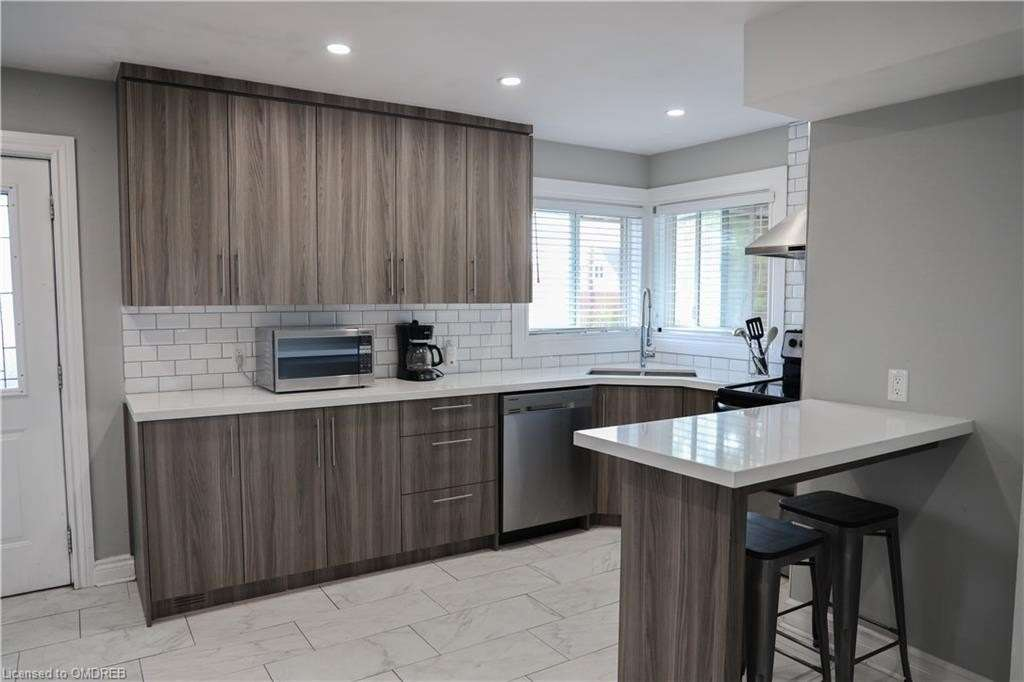 For Sale: 460 Upper Gage Avenue, Hamilton, ON   3 Bed, 2 Bath House for $599999.00. See 18 photos!