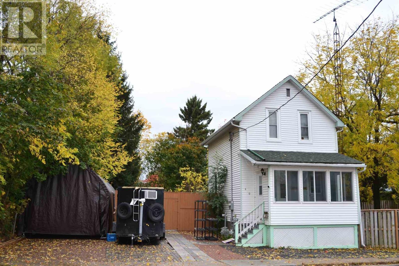 House for sale at 460 William St Gananoque Ontario - MLS: K20006361