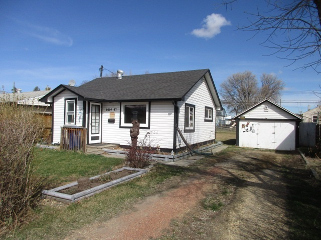 For Sale: 4614 47 Avenue, Wetaskiwin, AB | 1 Bed, 1 Bath House for $69,900. See 6 photos!
