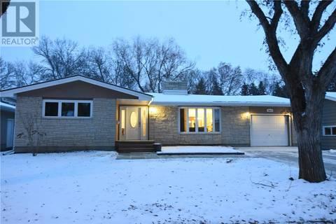 House for sale at 4615 Argyle St Regina Saskatchewan - MLS: SK796075