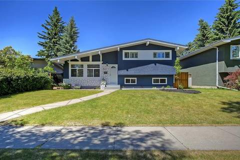House for sale at 4615 Brisebois Dr Northwest Calgary Alberta - MLS: C4246241