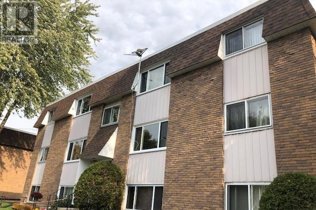 Townhouse for sale at 462 Henrietta St Gananoque Ontario - MLS: K20006574