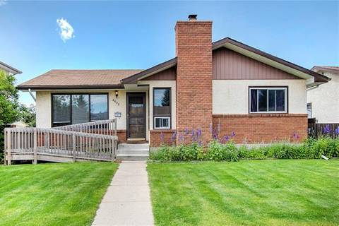 House for sale at 4635 Rundlehill Rd Northeast Calgary Alberta - MLS: C4261235