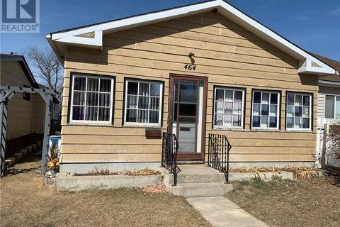House for sale at 464 Iroquois St W Moose Jaw Saskatchewan - MLS: SK804717