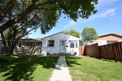 House for sale at 465 Edward St Regina Saskatchewan - MLS: SK798051