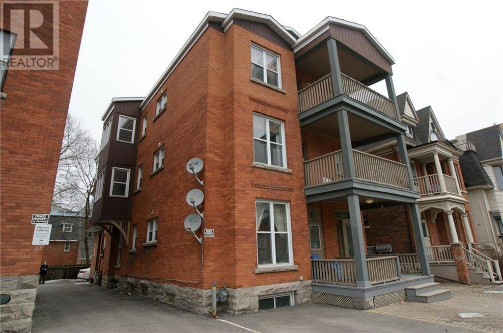 Townhouse for sale at 465 Somerset St W Ottawa Ontario - MLS: 1183399