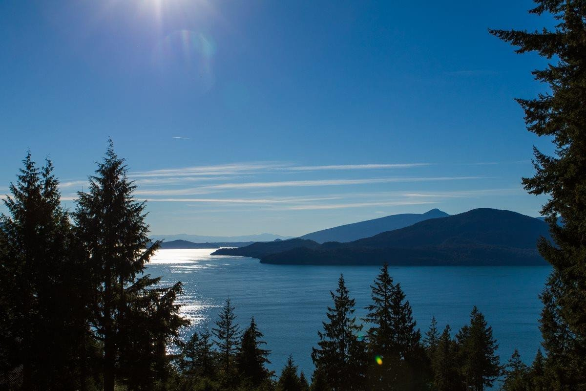 Home for sale at 465 Timbertop Dr Lions Bay British Columbia - MLS: R2478496