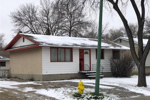 House for sale at 466 Palliser St Regina Saskatchewan - MLS: SK792391