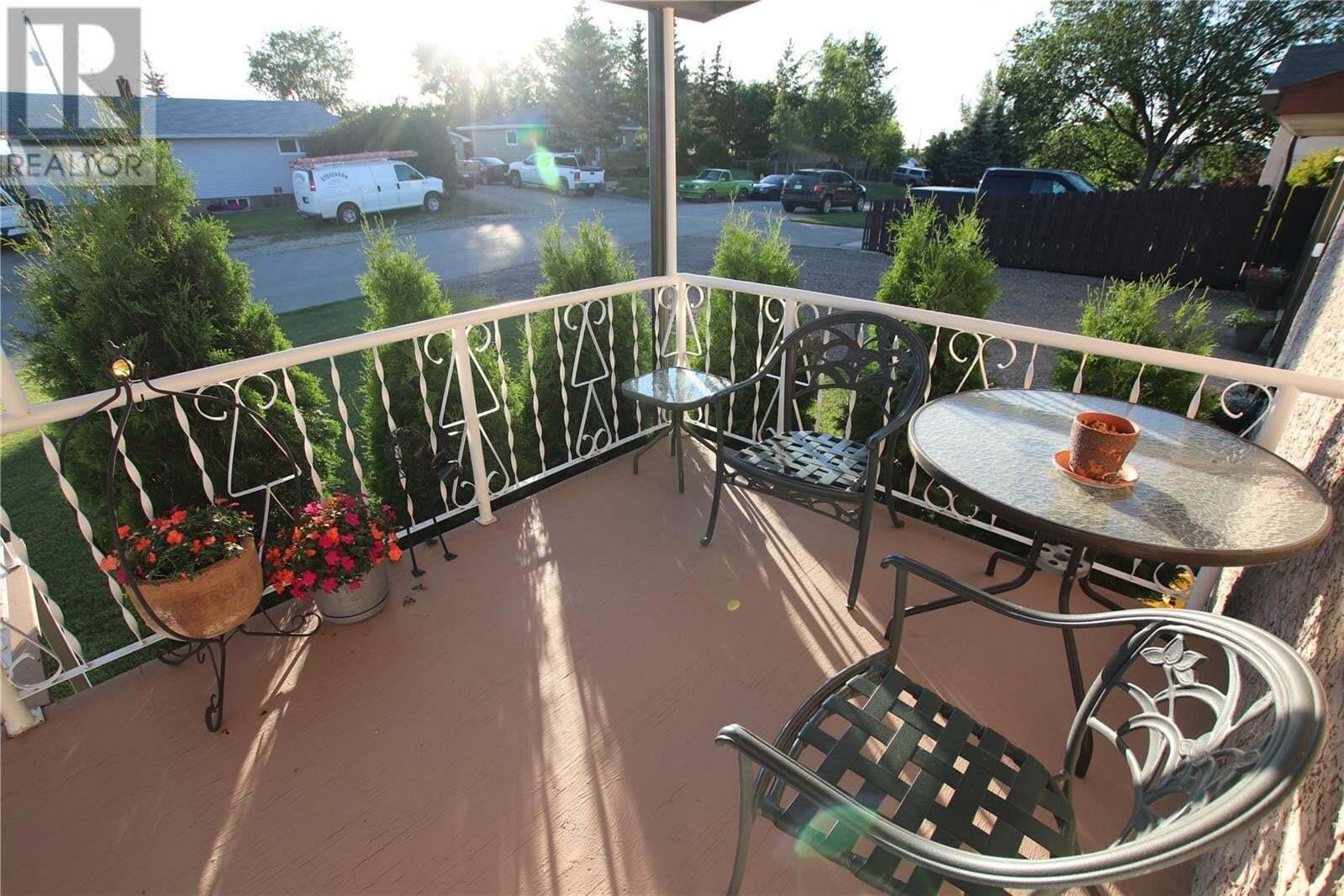 House for sale at 467 4th St Pilot Butte Saskatchewan - MLS: SK818741