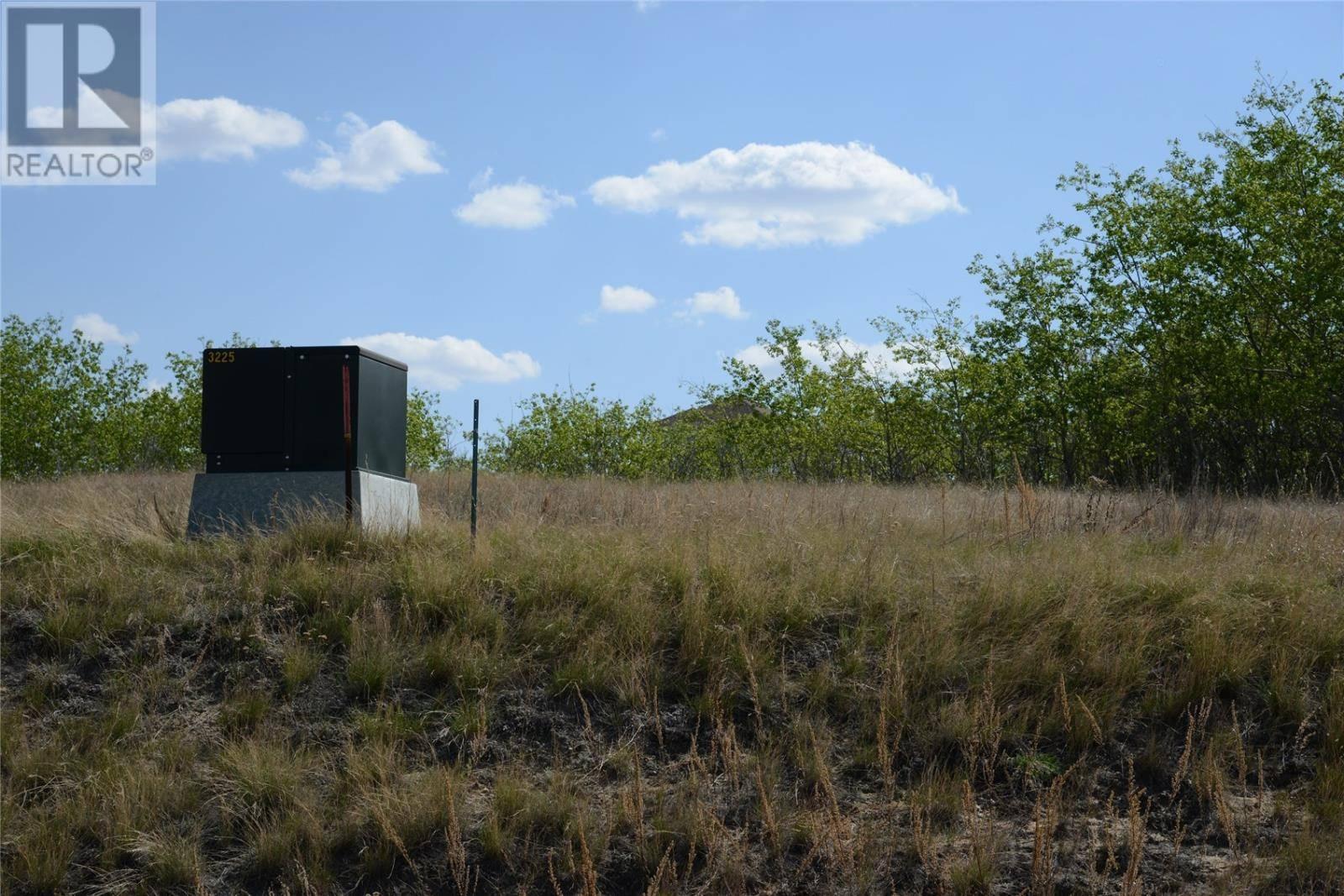 Residential property for sale at 467 Saskatchewan Rd Sarilia Country Estates Saskatchewan - MLS: SK772536