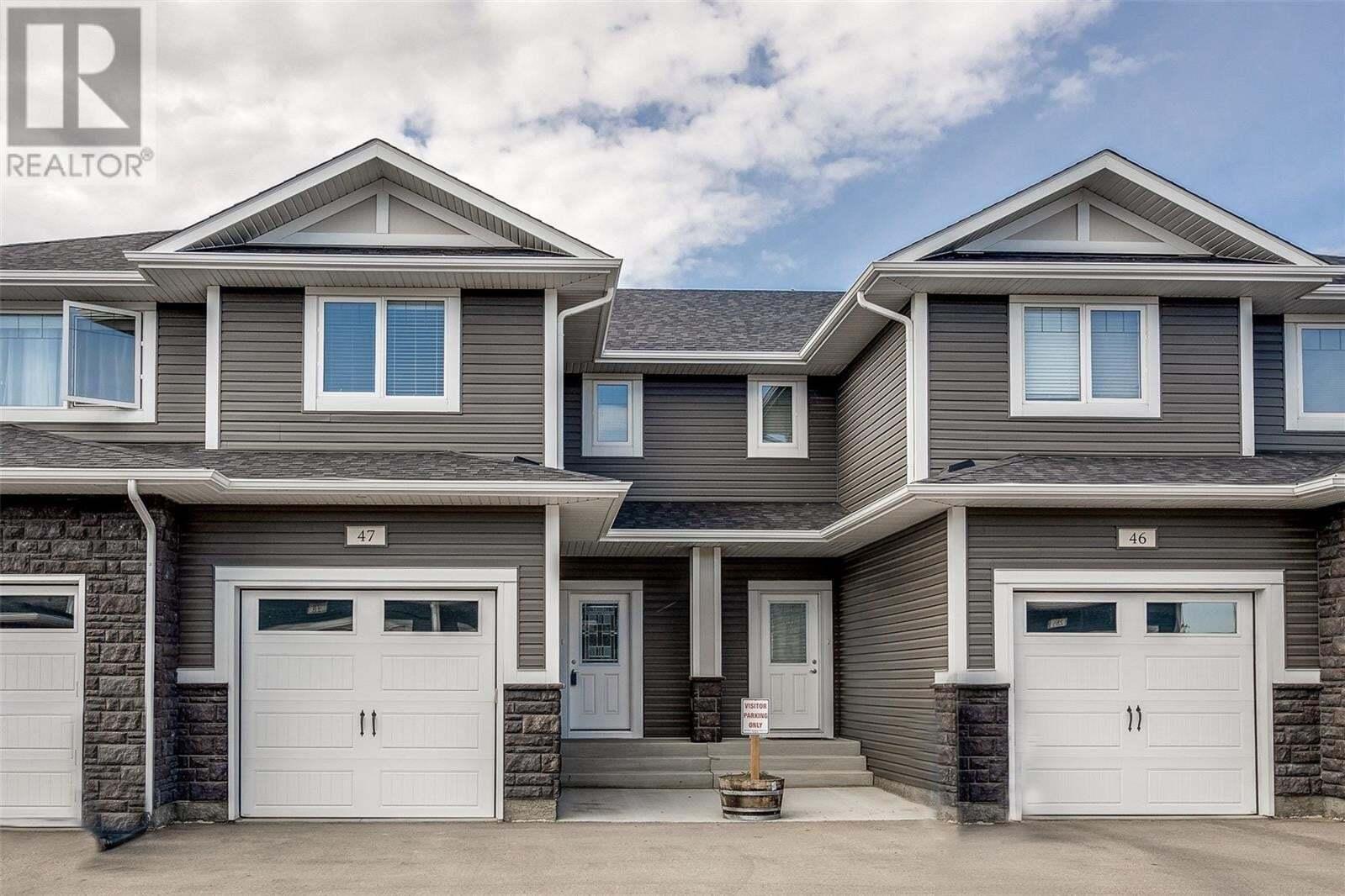 Townhouse for sale at 115 Veltkamp Cres Unit 47 Saskatoon Saskatchewan - MLS: SK827787