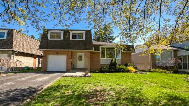 For Sale: 47 Castle Harbour Lane, Markham, ON | 3 Bed, 3 Bath House for $1,399,000. See 18 photos!