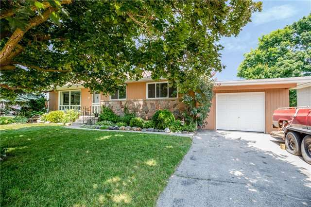 For Sale: 47 Colbeck Crescent, New Tecumseth, ON | 3 Bed, 2 Bath House for $499,900. See 16 photos!