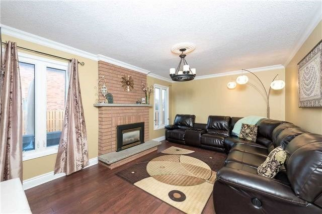 For Sale: 47 Dina Road, Vaughan, ON   4 Bed, 4 Bath House for $998,888. See 17 photos!
