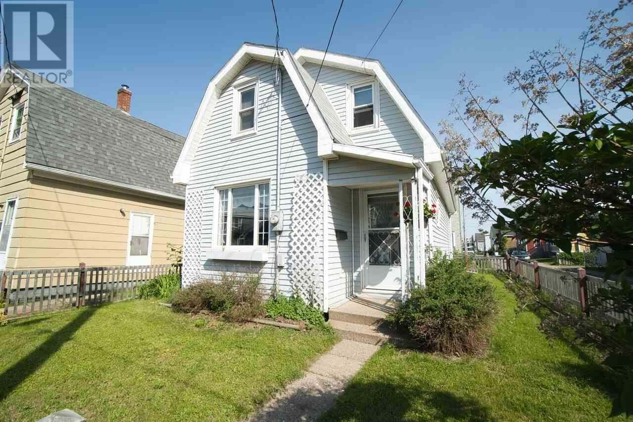 House for sale at 47 Douglas St Charlottetown Prince Edward Island - MLS: 202010694