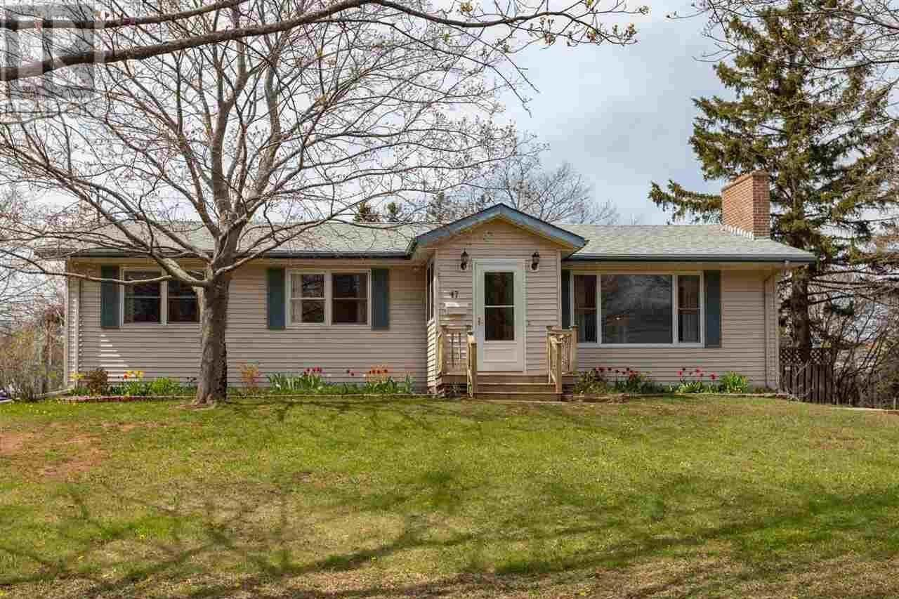 House for sale at 47 Emerald Dr Charlottetown Prince Edward Island - MLS: 202008418