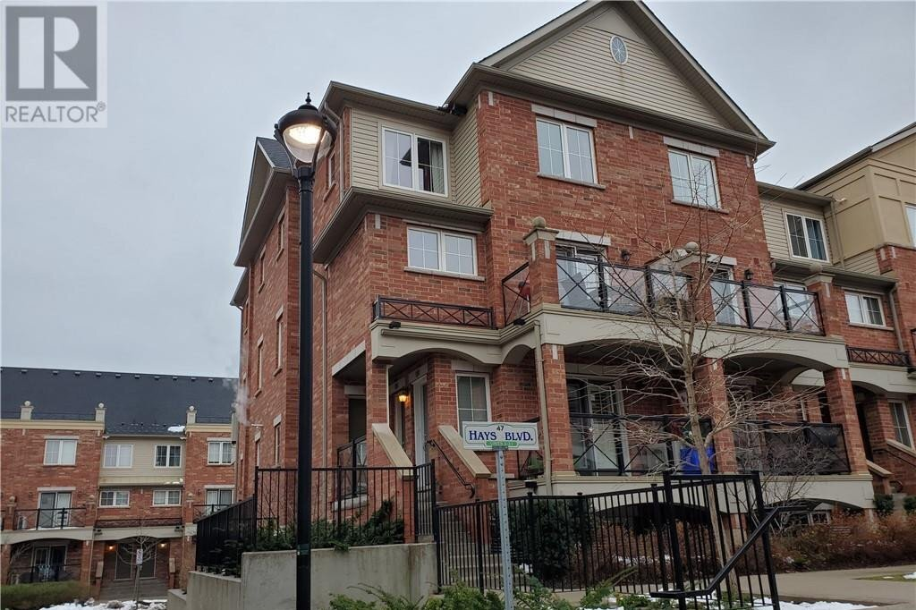 Townhouse for rent at 47 Hays Blvd Oakville Ontario - MLS: 40048991