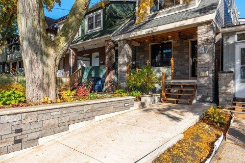 House for sale at 47 Hiawatha Rd Toronto Ontario - MLS: E4973528