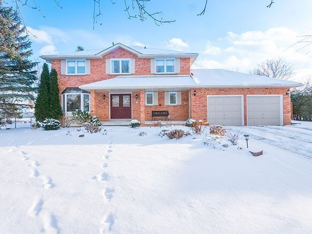 For Sale: 47 Parnham Crescent, East Gwillimbury, ON | 4 Bed, 3 Bath House for $990,000. See 20 photos!