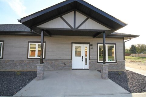 Townhouse for sale at 47 Prairie Lake  Dr Taber Alberta - MLS: A1040782