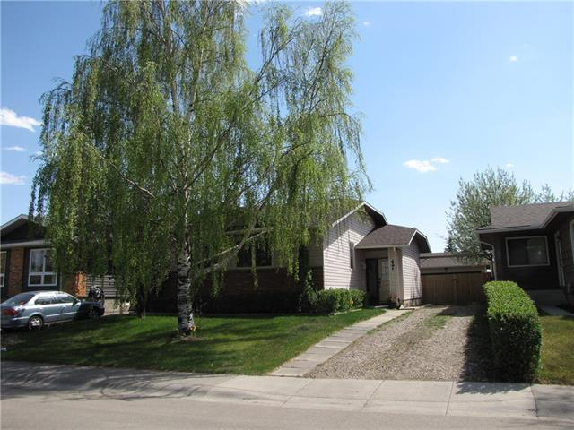 Sold: 47 Summerfield Road Southeast, Airdrie, AB