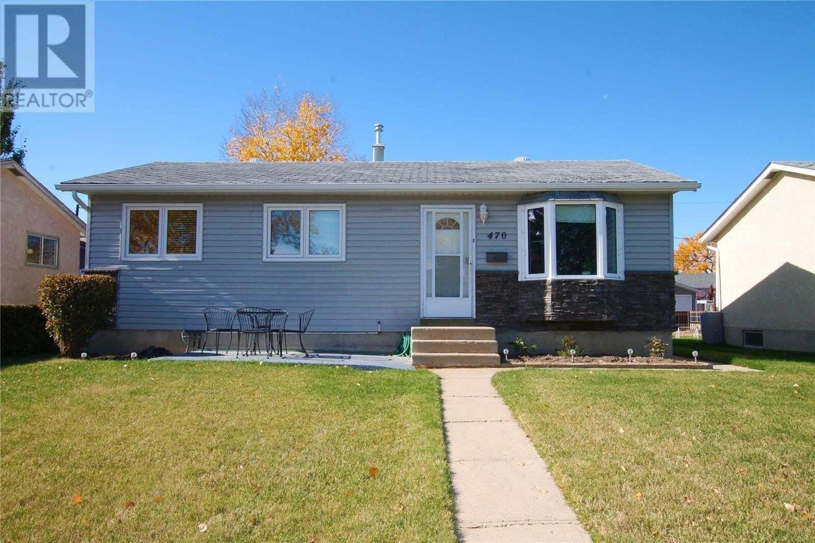 House for sale at 470 8th Ave SE Swift Current Saskatchewan - MLS: SK830621