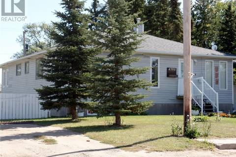 House for sale at 4705 Tribune St Macklin Saskatchewan - MLS: SK785700