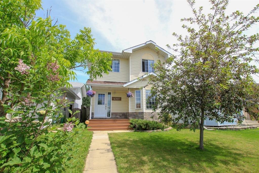 House for sale at 4707 44 St Sylvan Lake Alberta - MLS: A1006853