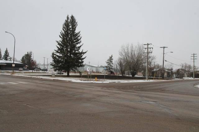 4710 50 Avenue, Elk Point | Image 1
