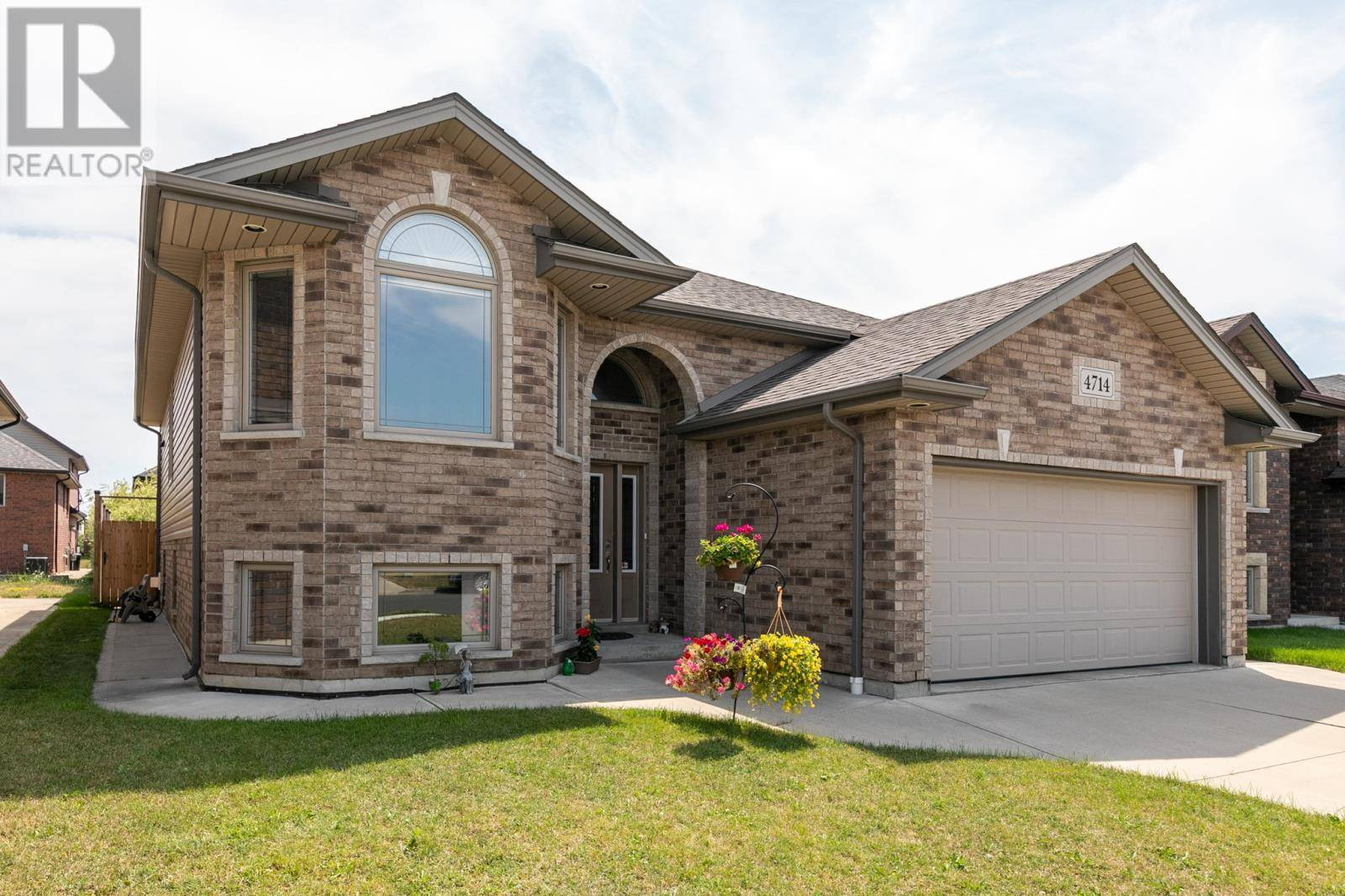 House for sale at 4714 Periwinkle  Windsor Ontario - MLS: 19025188
