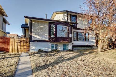 Townhouse for sale at 4716 44 Ave Northeast Calgary Alberta - MLS: C4293655