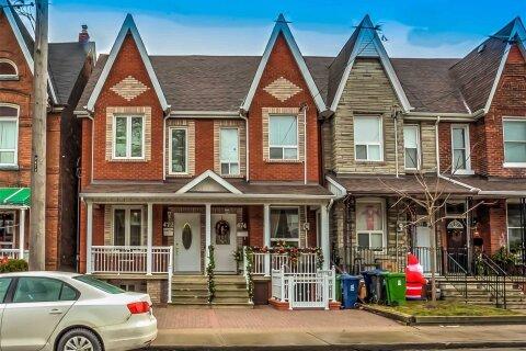 Townhouse for rent at 472 Symington Ave Toronto Ontario - MLS: W5071344