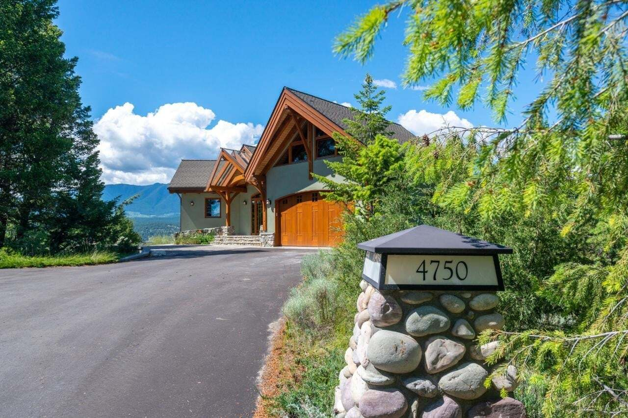 House for sale at 4750 Lakehill Road  Invermere British Columbia - MLS: 2452705