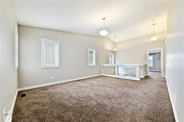 For Sale: 476 Skyview Shores Manor Northeast, Calgary, AB   6 Bed, 4 Bath House for $579,000. See 32 photos!