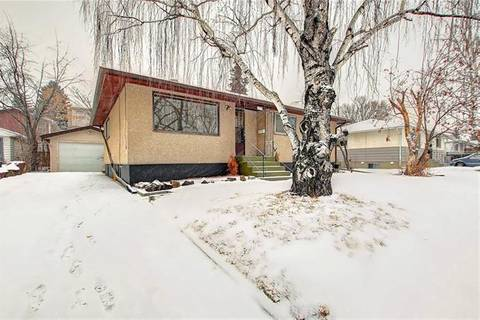 House for sale at 479 Northmount Dr Northwest Calgary Alberta - MLS: C4280901